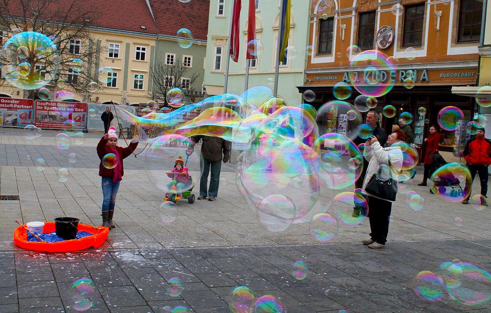 Wr.Neustadt Spiel & Verkaufsstand