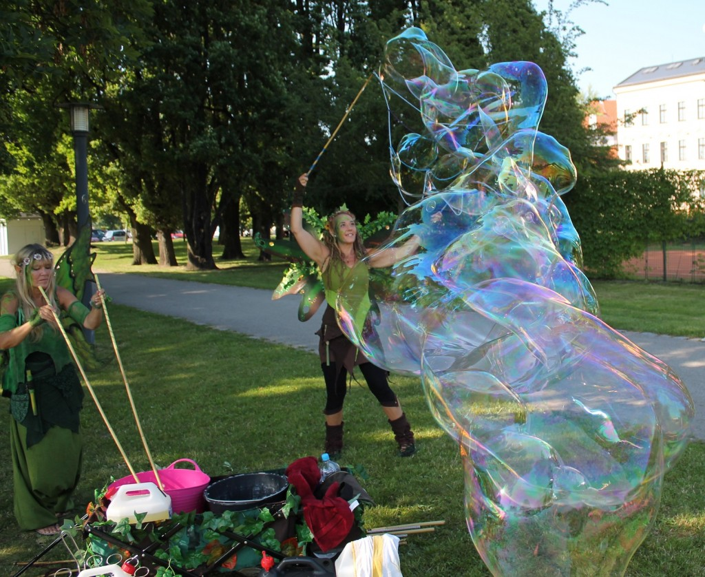 Bubble Fairies Buskers Fest Tschechien 2016 Riesenseifenblasen